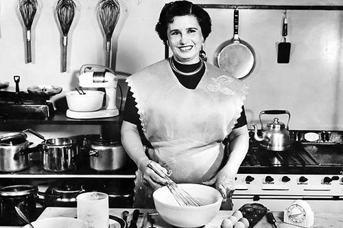 60s pasta maker